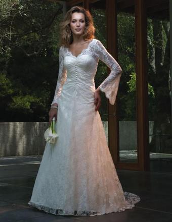 https://cf.ltkcdn.net/weddings/images/slide/176634-661x850-Casablanca-Dress-1817-long-sleeve.jpg