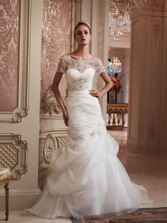 https://cf.ltkcdn.net/weddings/images/slide/176639-636x850-Casablanca-Dress-2088-short-sleeve.jpg