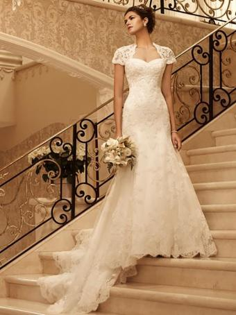 https://cf.ltkcdn.net/weddings/images/slide/176640-636x850-Casablanca-Dress-2102-short-sleeve.jpg