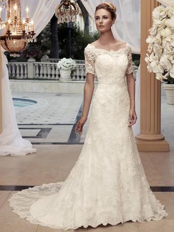 https://cf.ltkcdn.net/weddings/images/slide/176641-636x850-Casablanca-Dress-2119-short-sleeve.jpg
