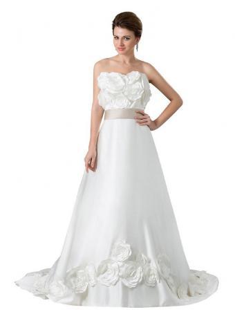 https://cf.ltkcdn.net/weddings/images/slide/190675-637x850-rosette-sweetheart.jpg