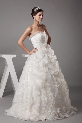 https://cf.ltkcdn.net/weddings/images/slide/190870-566x850-sweetheart-ruffles.jpg
