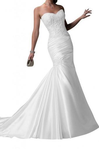 https://cf.ltkcdn.net/weddings/images/slide/190877-533x800-super-glamorous-mermaid.jpg