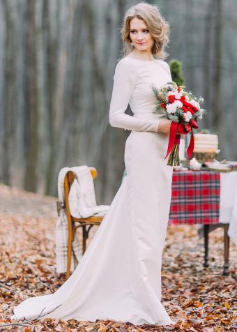 https://cf.ltkcdn.net/weddings/images/slide/197862-607x850-xmas05_sleevescrop.jpg