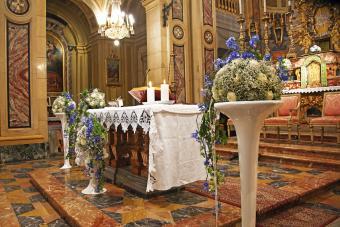 wedding altar with tall flower pedestals