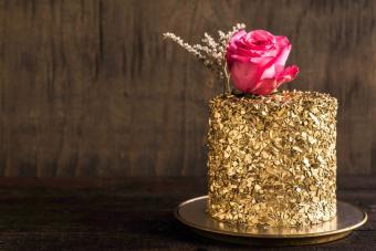Edible gold cake favors