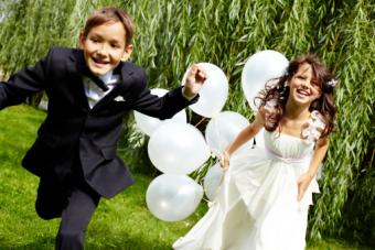 Kids with balloo