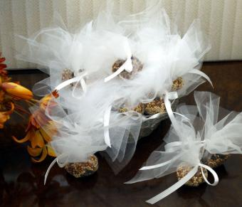 Birdseed bags for wedding guests