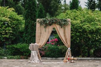 Burlap Ceremony Decor