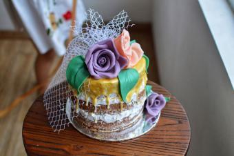 naked veil cake