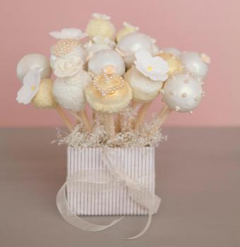 cake pops for bridal shower