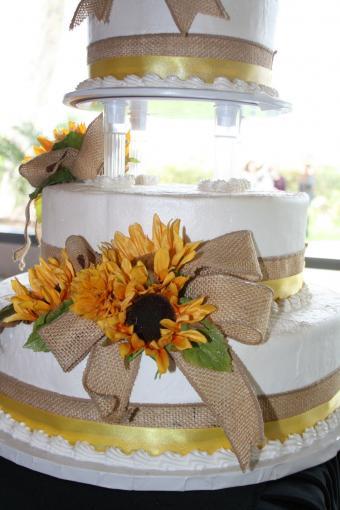 Sunflowers with burlap bow cake decoration