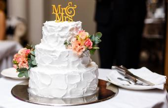 Images of Three-Tier Wedding Cakes