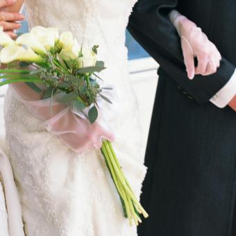 https://cf.ltkcdn.net/weddings/images/slide/241253-850x850-12-calla-lily-bridal-bouquets.jpg