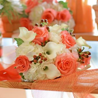 https://cf.ltkcdn.net/weddings/images/slide/241254-850x850-15-calla-lily-bridal-bouquets.jpg