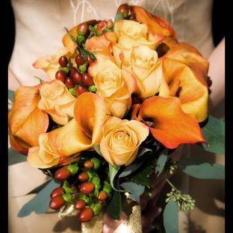 https://cf.ltkcdn.net/weddings/images/slide/241261-850x850-4-calla-lily-bridal-bouquets.jpg