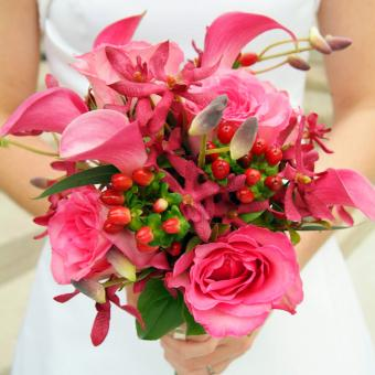 https://cf.ltkcdn.net/weddings/images/slide/241266-850x850-13-calla-lily-bridal-bouquets.jpg