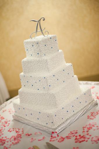 Cornelli lace square wedding cake