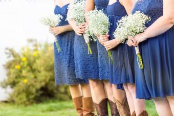 Small wedding ceremony in white and blue theme