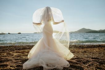 How and Where to Design Your Own Wedding Veil