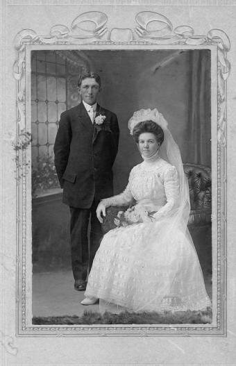 photo of a wedding in 1905