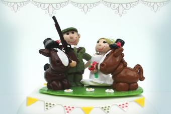 Hunting-Themed Groom's Cakes