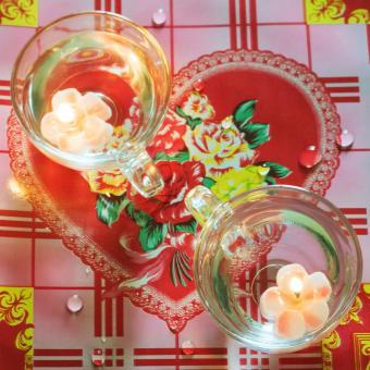 https://cf.ltkcdn.net/weddings/images/slide/249230-850x850-4-valentines-day-wedding-centerpieces.jpg
