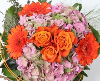 https://cf.ltkcdn.net/weddings/images/slide/249435-850x691-19-fall-wedding-bouquet-ideas.jpg