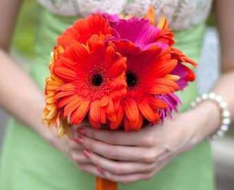 https://cf.ltkcdn.net/weddings/images/slide/249437-850x691-5-fall-wedding-bouquet-ideas.jpg