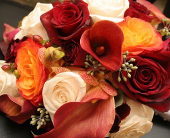 https://cf.ltkcdn.net/weddings/images/slide/249439-850x691-fall-wedding-bouquet-ideas.jpg