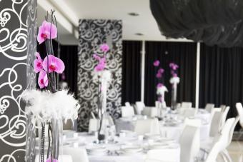 https://cf.ltkcdn.net/weddings/images/slide/249561-1200x800-feathers.jpg
