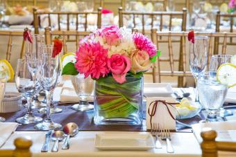 https://cf.ltkcdn.net/weddings/images/slide/249565-1200x800-square.jpg