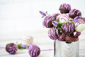 https://cf.ltkcdn.net/weddings/images/slide/249566-1198x800-chocolate.jpg