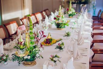 https://cf.ltkcdn.net/weddings/images/slide/249569-1200x800-tropical.jpg