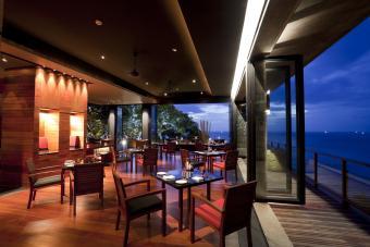 Indoor / Outdoor restaurant balcony