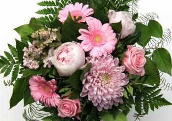 https://cf.ltkcdn.net/weddings/images/slide/250755-850x595-8_bouquet_old_fashioned.jpg