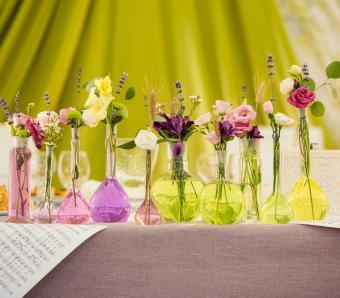 https://cf.ltkcdn.net/weddings/images/slide/251198-850x744-5-pictures-head-table-decorations.jpg
