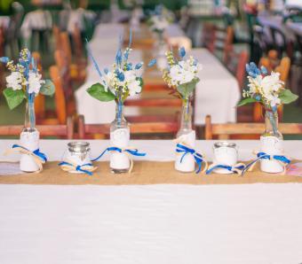 https://cf.ltkcdn.net/weddings/images/slide/251203-850x744-10-pictures-head-table-decorations.jpg