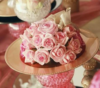 https://cf.ltkcdn.net/weddings/images/slide/251206-850x744-13-pictures-head-table-decorations.jpg