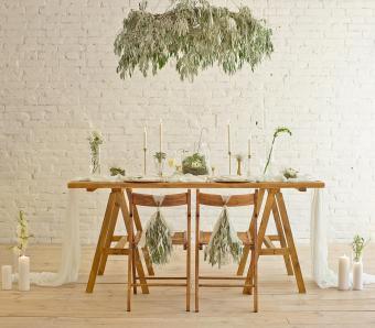 https://cf.ltkcdn.net/weddings/images/slide/251241-850x744-15-pictures-head-table-decorations.jpg
