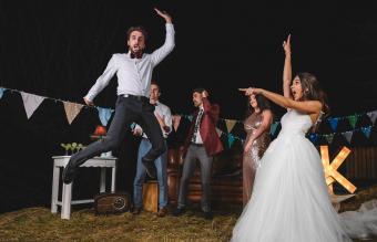 Crazy Wedding Pictures