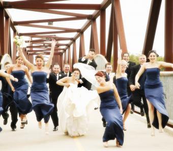https://cf.ltkcdn.net/weddings/images/slide/254081-850x744-9-crazy-wedding-pictures.jpg