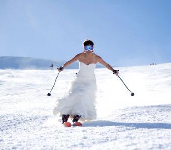 https://cf.ltkcdn.net/weddings/images/slide/254085-850x744-13-crazy-wedding-pictures.jpg