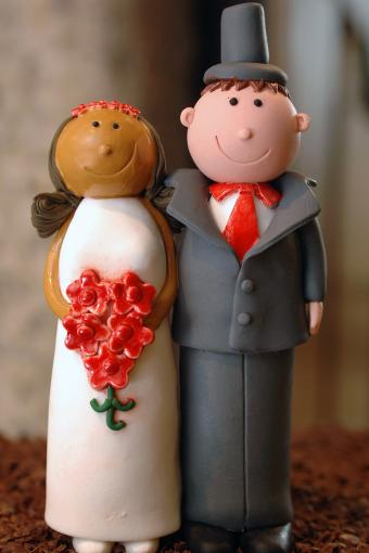 Interracial wedding cake decoration