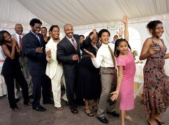 12 Top Wedding Line Dances
