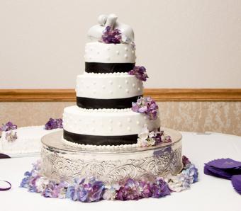 https://cf.ltkcdn.net/weddings/images/slide/266412-850x744-flowers-and-dots.jpg