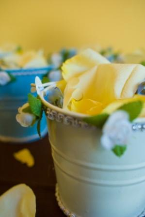 Wedding favors made from beach pails