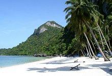 White sand beach in Samui