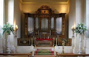 Organ ready for church wedding ceremony