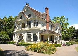 Photo of the Patterson Mansion at Ardenwood